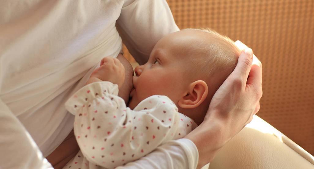 Ребенок плачет после кормления