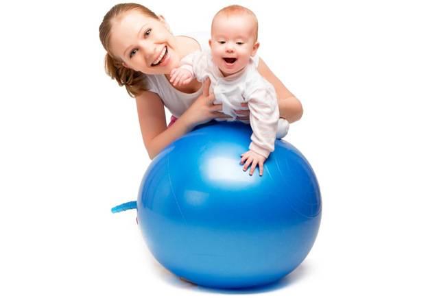 Упражнения на фитболе для детей: занятия для грудничков от месяца до года