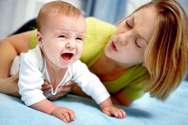 Ребенок чихает часто: когда норма и нет, болезни и причины, как лечить