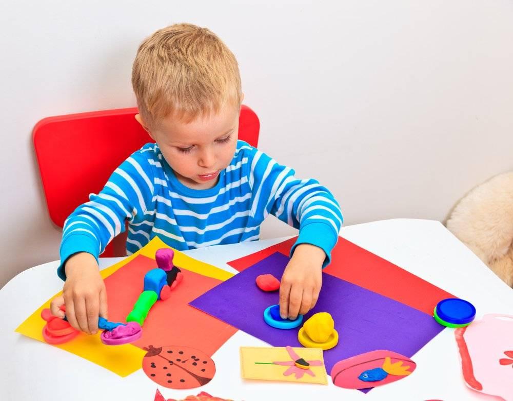 Учим цвета с ребенком: лучший возраст, игры и упражнения. как научить ребёнка различать цвета: 6 методик от детского офтальмолога