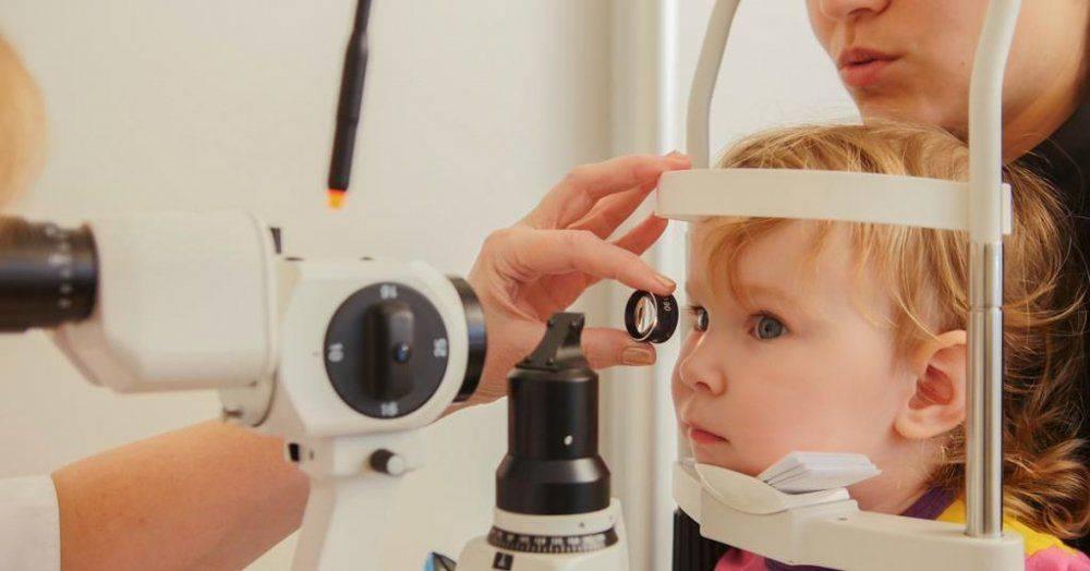 Из-за чего возникает и как лечится прогрессирующая близорукость у детей?