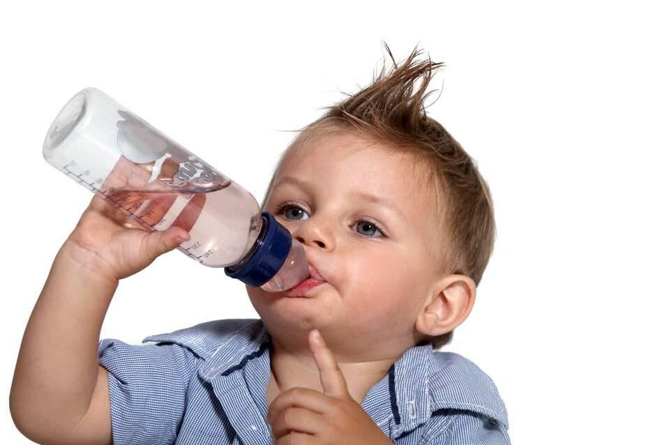 Как отучить ребенка много пить ночью (воду, компот) - советы родителям