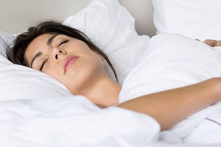 Почему вы вздрагиваете, когда засыпаете?