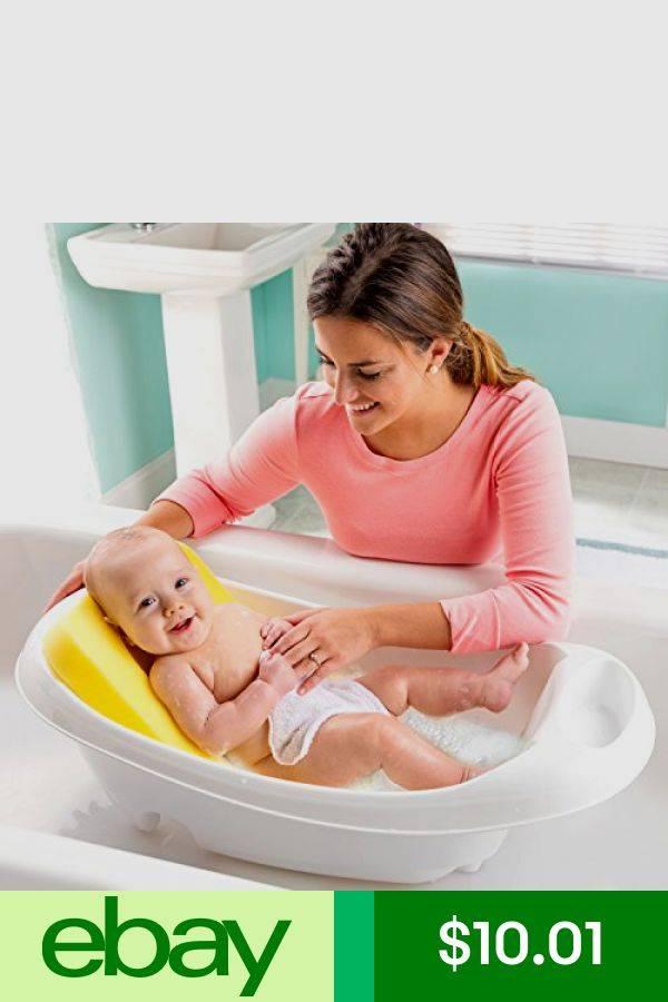 Когда можно купать грудничка в большой ванне