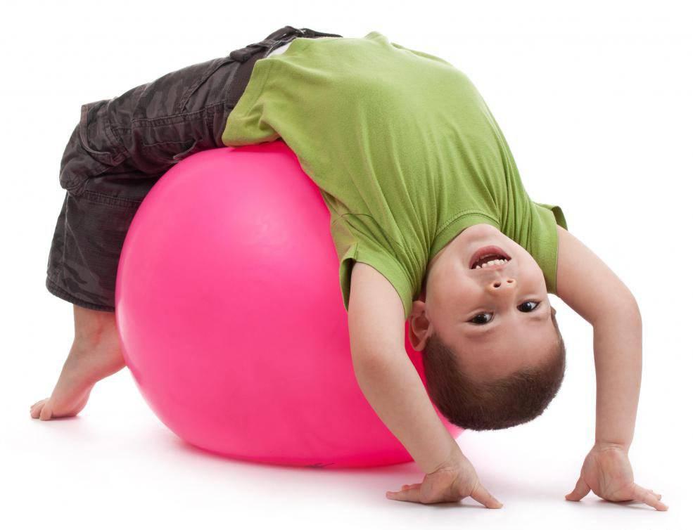 ✅ занятия на мяче для ребенка 4 лет. как проводить занятия на фитболе для новорождённых в домашних условиях? руководство для родителей. упражнения для крохи - elpaso-antibar.ru