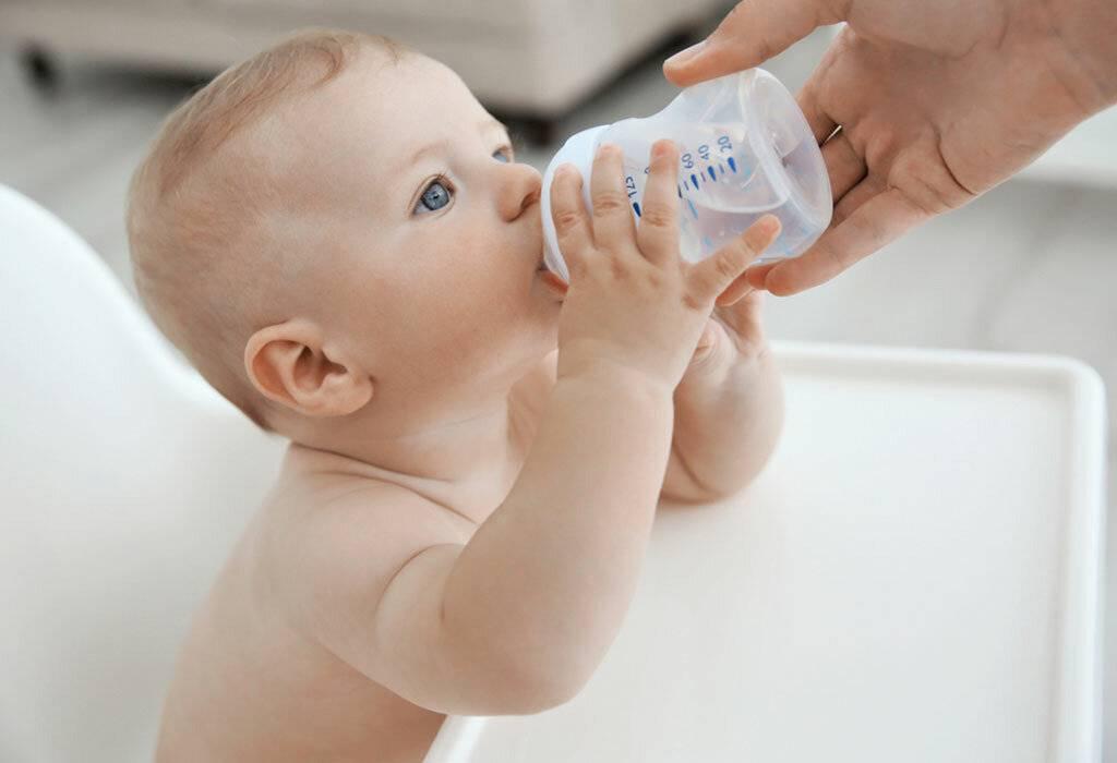 Давать ли воду при смешанном вскармливании?