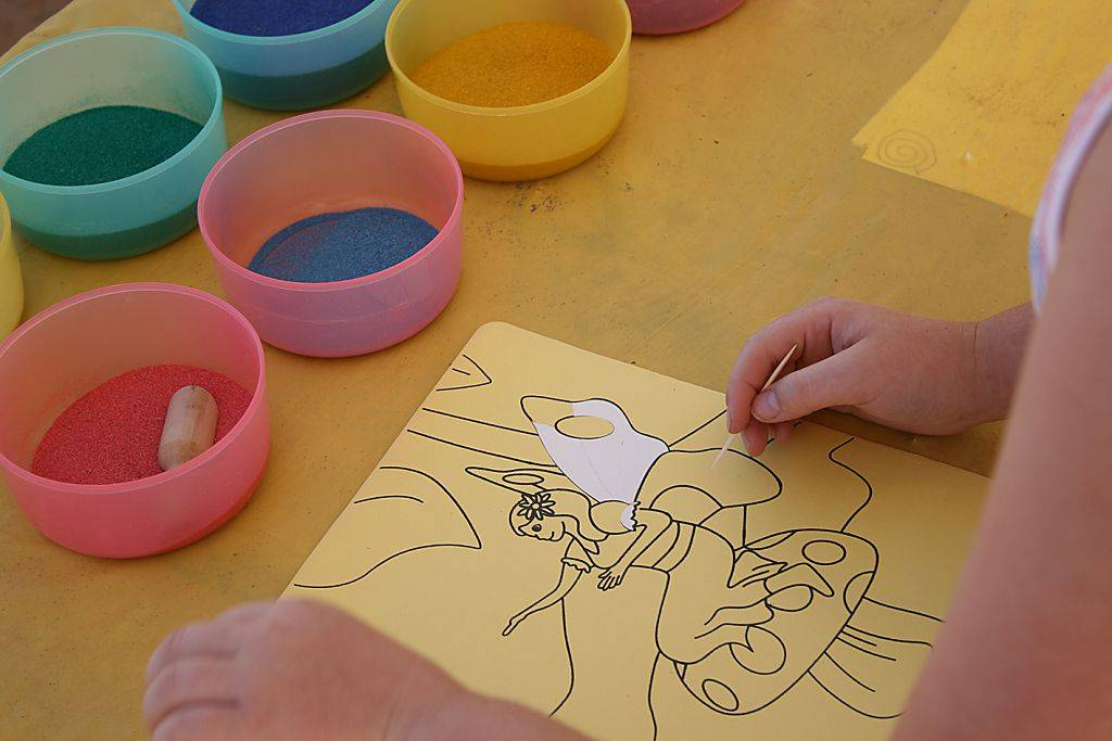 Песочная терапия для детей - значение, показания, оборудование