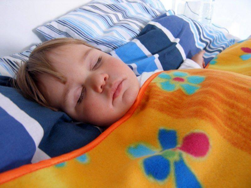 Как заснуть ребенку при сильном кашле