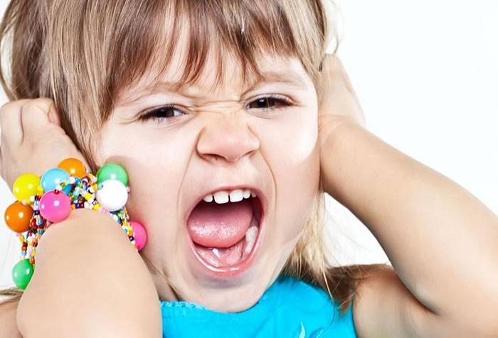 Почему ребенок плачет? основные причины детского крика и методы как с этим бороться