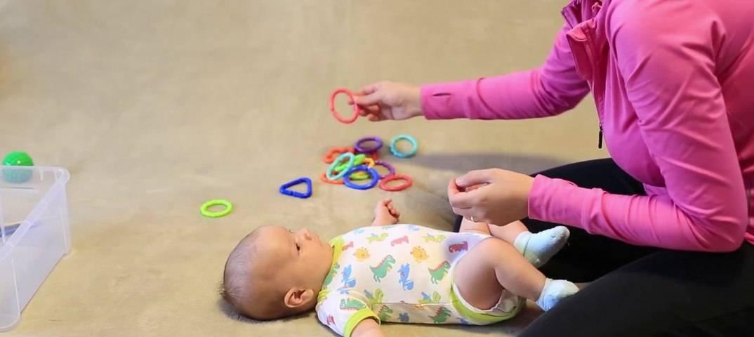 Развитие ребенка в 3 месяца жизни. физическое и эмоциональное развитие. описание и советы