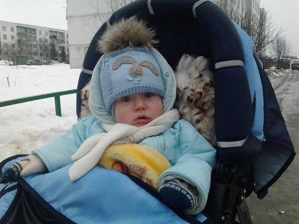 Как одевать зимой ребёнка на прогулку: список необходимых вещей