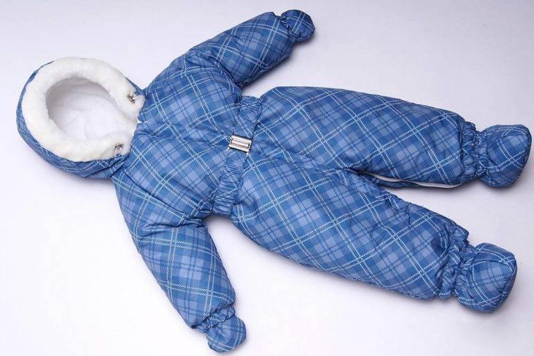 Одежда для новорожденных мальчиков, подбор в зависимости от сезона