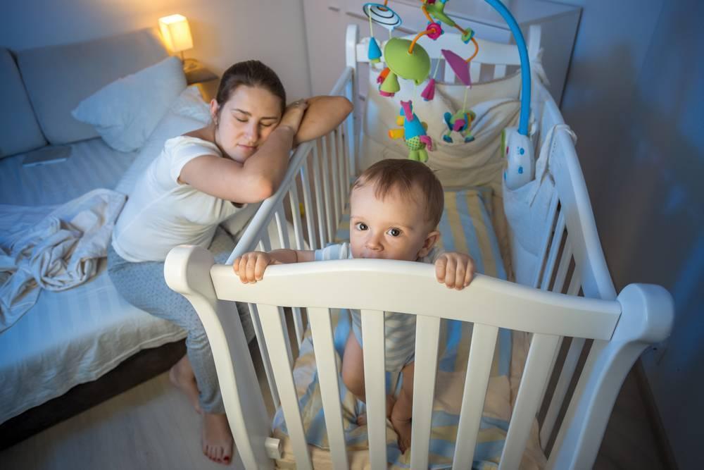 Как отучить ребенка спать с родителями? читаем!