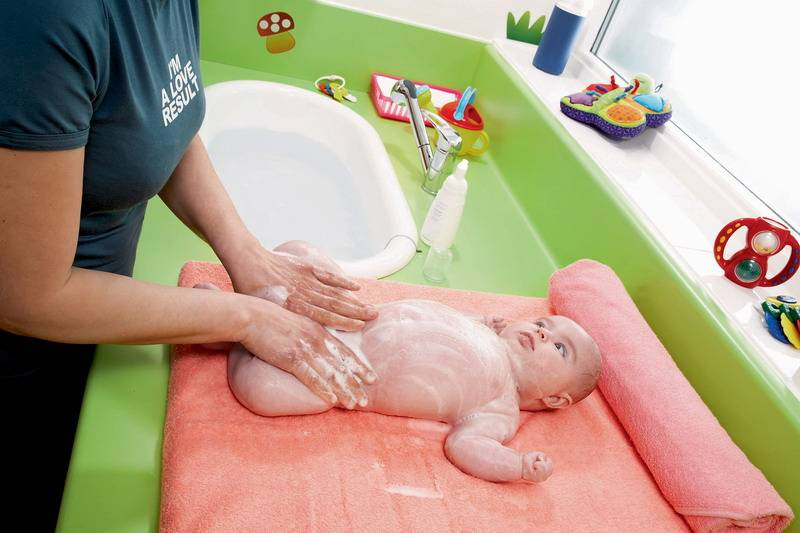 Как часто нужно купать новорожденного?