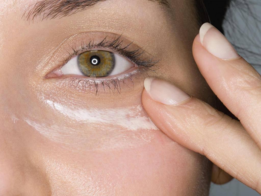 Красные круги под глазами у ребенка - что это, причины, лечение симптома