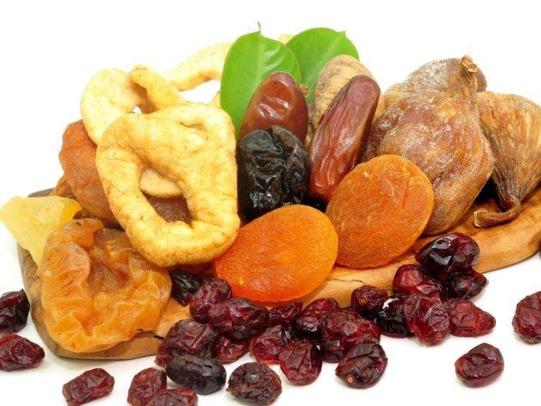 Сушеные яблоки при грудном вскармливании: можно ли есть кормящей маме, почему во время гв сухой продукт полезнее свежего, как употреблять, что приготовить?