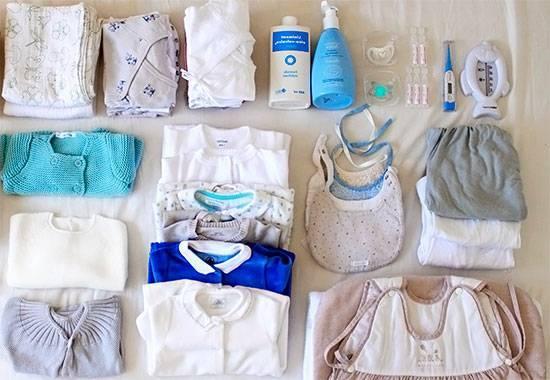 Покупаем одежду для новорожденного на выписку из роддома для зимы, весны, осени и лета