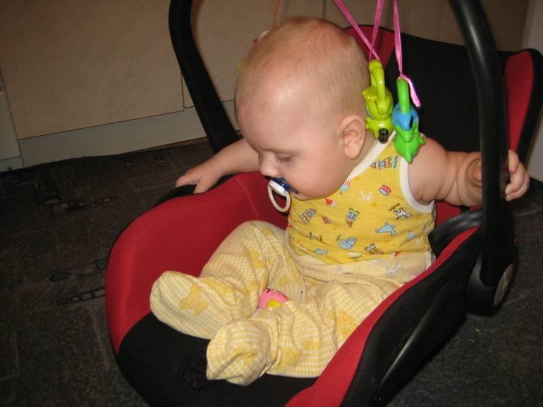 Ребенок хочет сесть в 3 месяца что делать - советы врачей