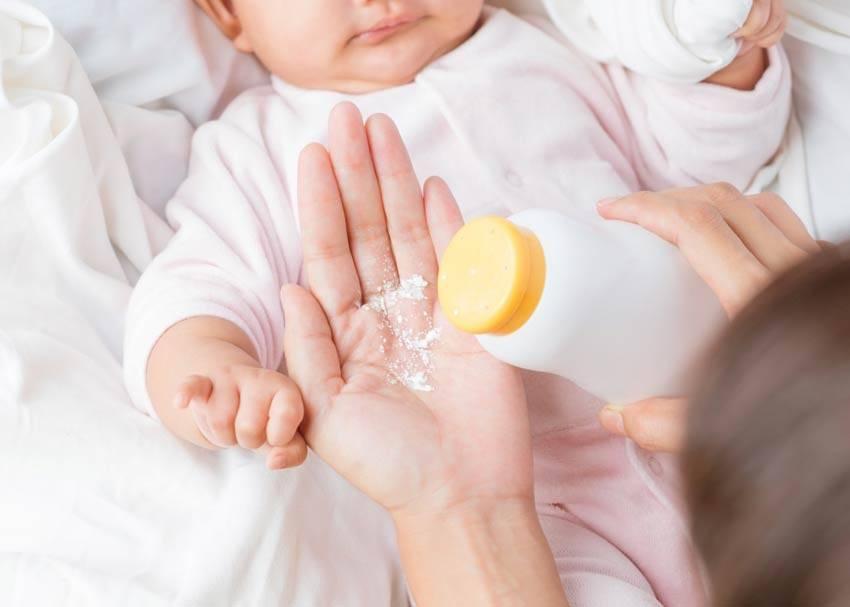 Как пользоваться присыпкой для новорожденных девочек