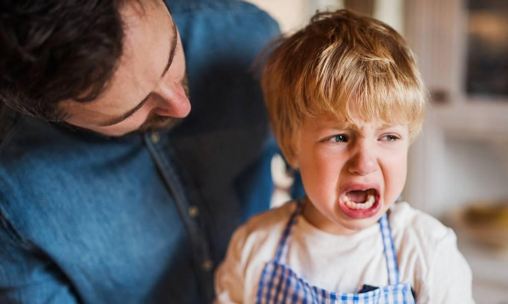 Истерики у ребёнка 3 лет: почему, что делать, как предотвратить и как бороться