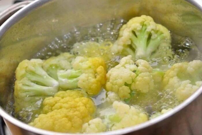 Сколько варить цветную капусту замороженную: время в минутах от момента закипания до готовности, а также как правильно и вкусно приготовить овощ в кастрюле? русский фермер