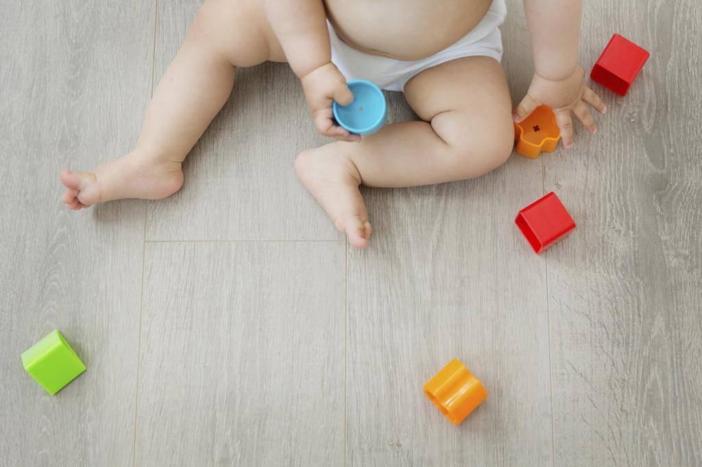 Развивающие игрушки для детей 2 месяца: какие нужны малышу для развития