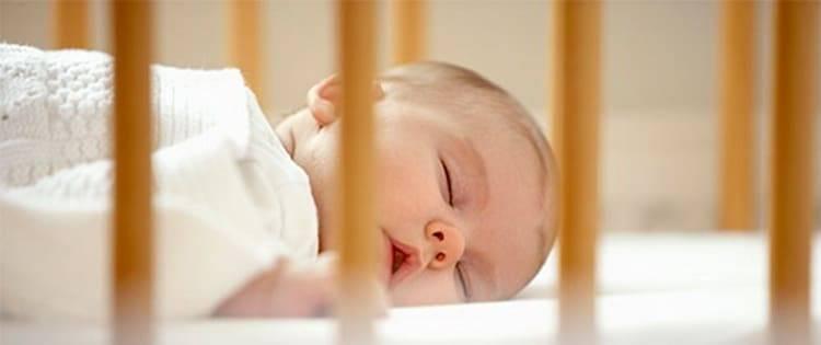 Нужно ли будить новорожденного для кормления комаровский. нужно ли будить. когда нужно будить новорождённого