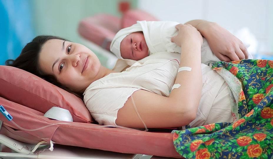 Послеродовой осмотр: здоровая мама