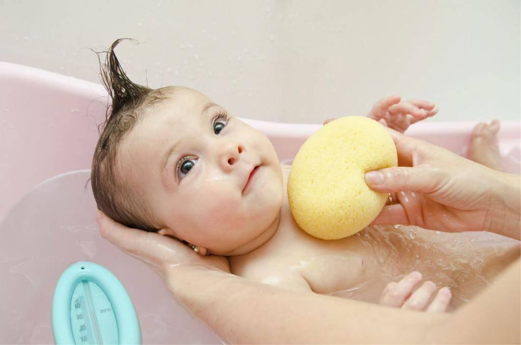 Правильный уход за кожей новорожденного