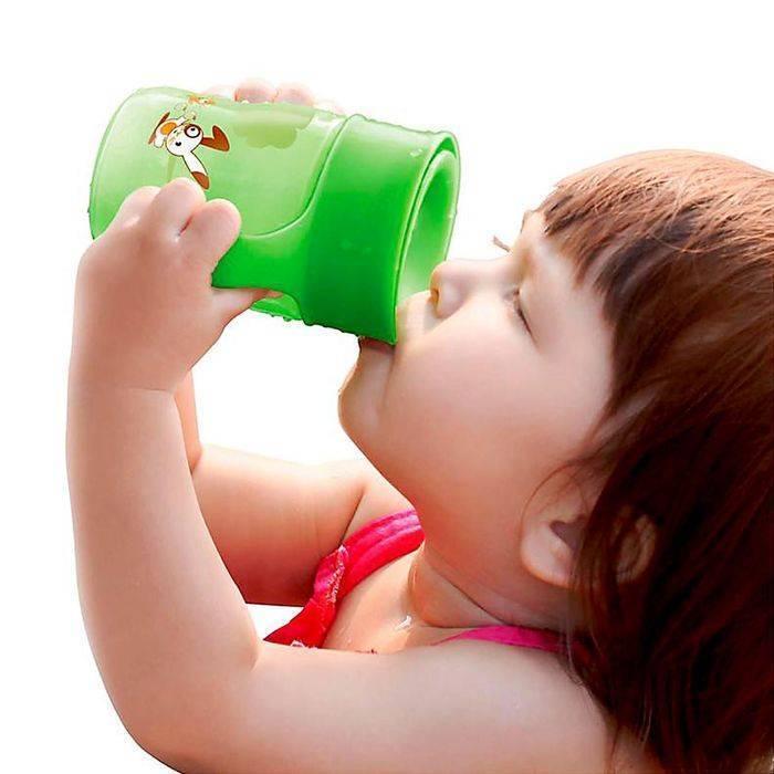 Как научить ребенка пить из трубочки: полезные советы
