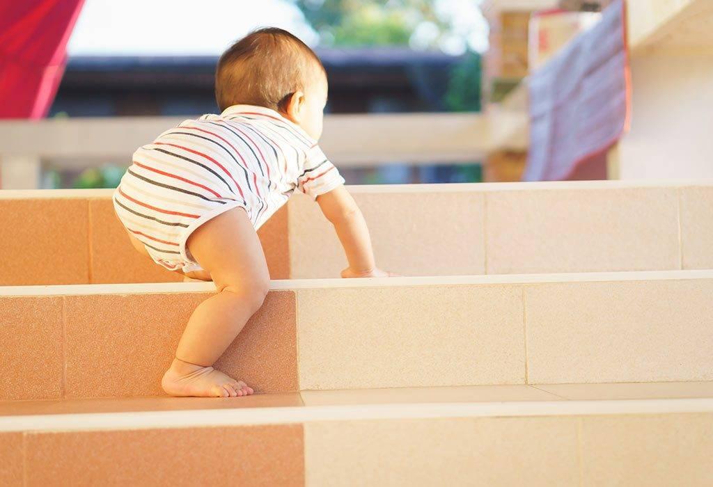 Почему ребенку полезно ползать
