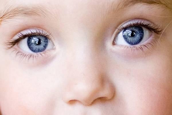 Как определить цвет глаз у новорождённого