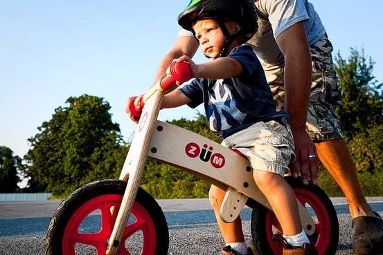 Как научить ребенка кататься на велосипеде 5 - 6 лет, как держать равновесие