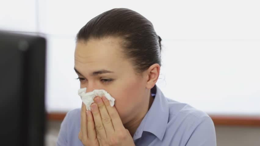 Постоянный насморк. причины и лечение постоянного насморка у детей