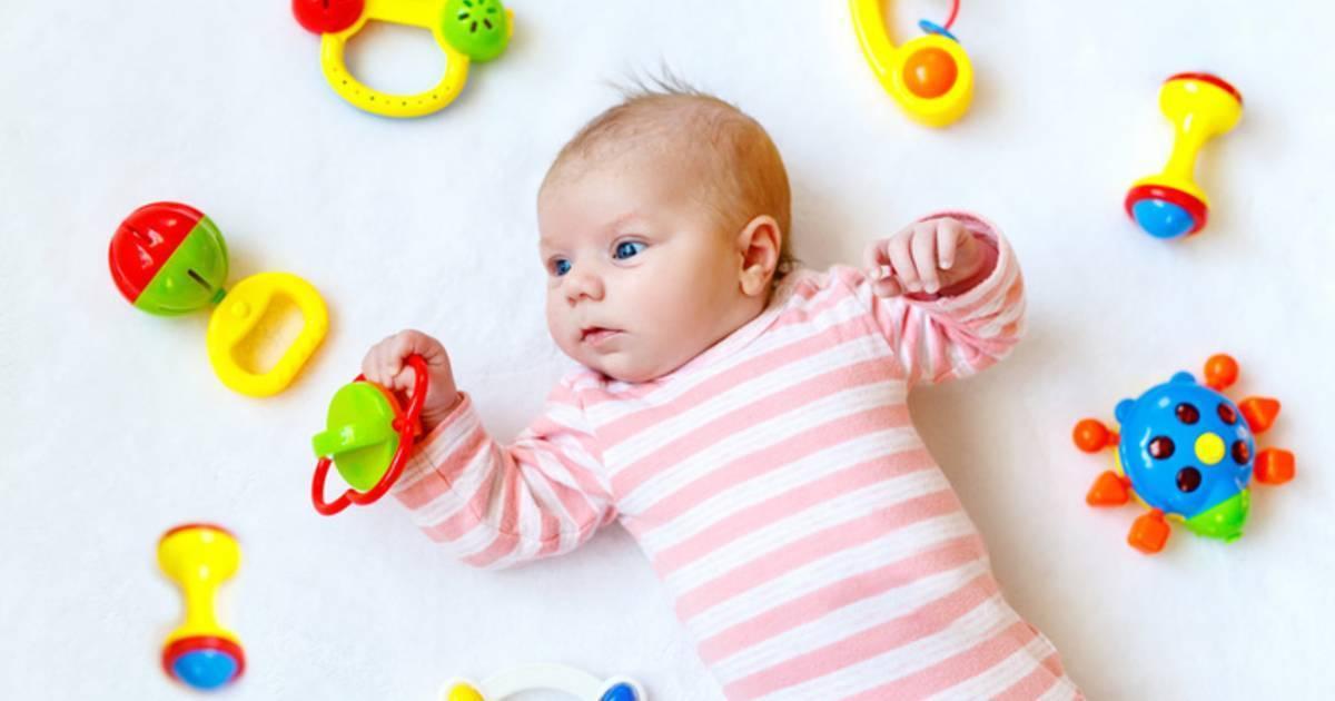 Игры с ребенком в 1 месяц - как  и во что играть с ребенком, занятия для развития