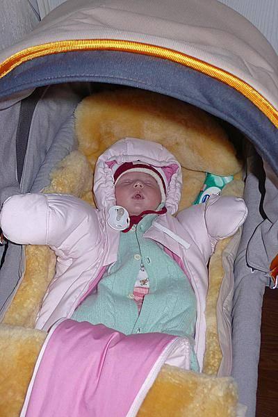 Как одевать новорожденного зимой на прогулку?