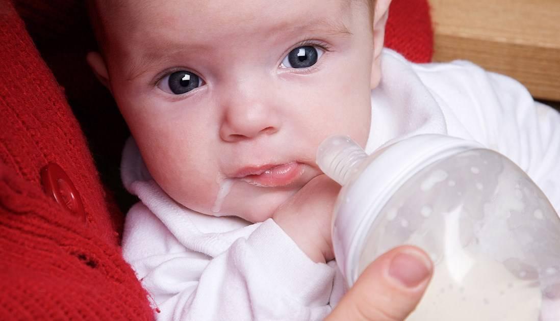 Икота у новорожденных после кормления: почему бывает и что делать
