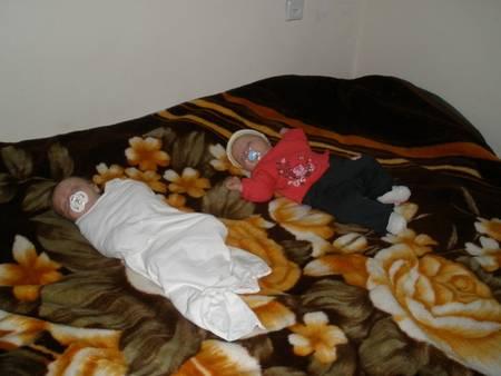Как отучить ребенка от пеленания перед сном