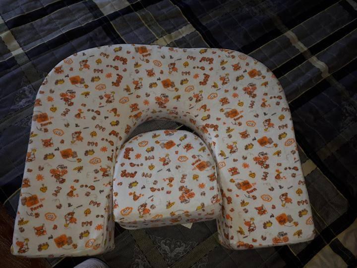 Подушка для кормления грудного ребенка своими руками, выбор, использование