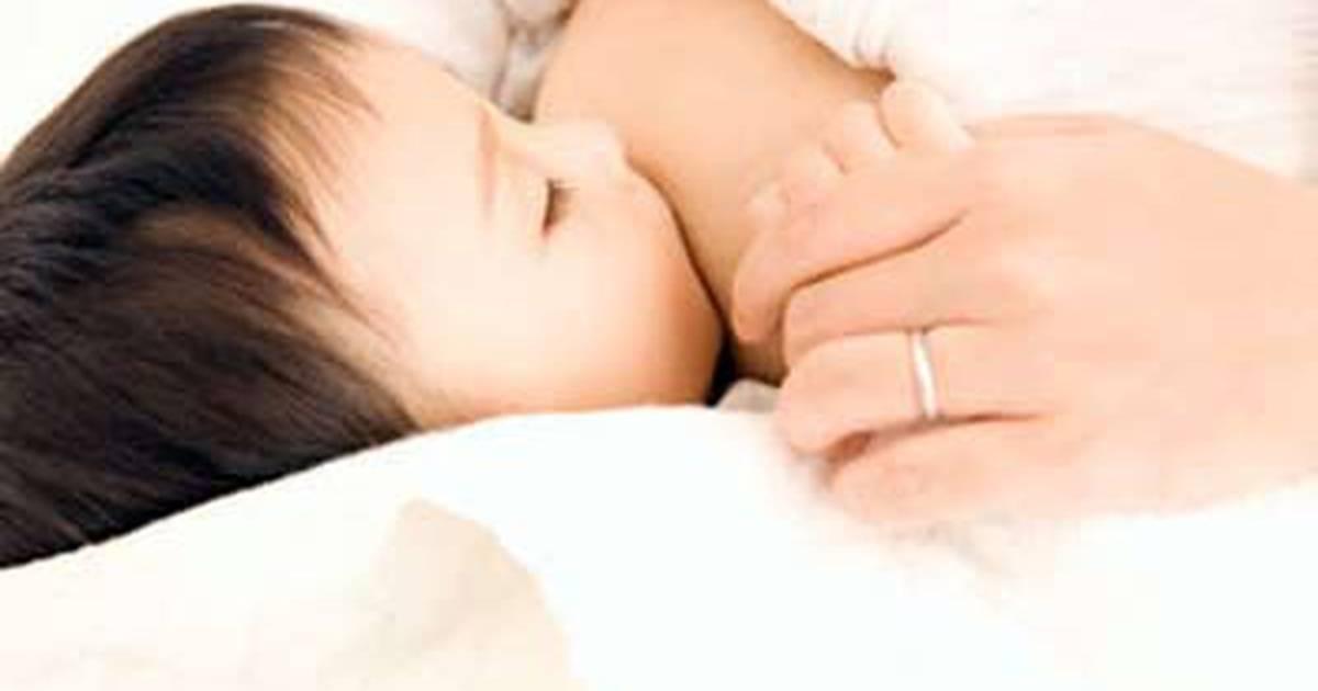 Ребенок отказывается сосать грудь? | lovi