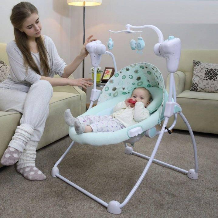 Качели для ребенка до 1 года жизни