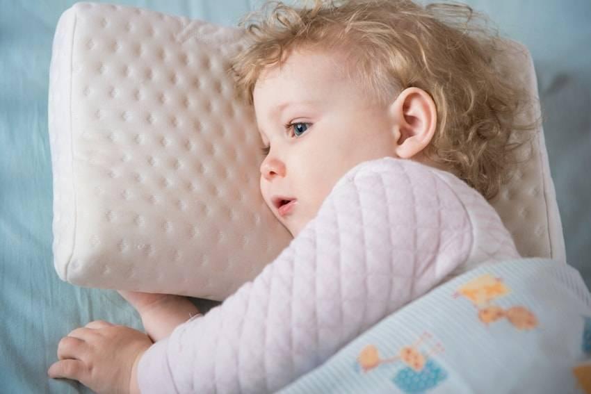 Какие подушки можно ребенку: выбираем наполнитель и размер