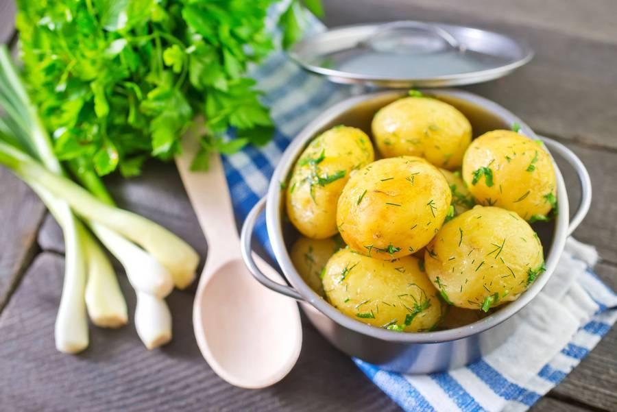 Польза картофеля для кормящей мамы
