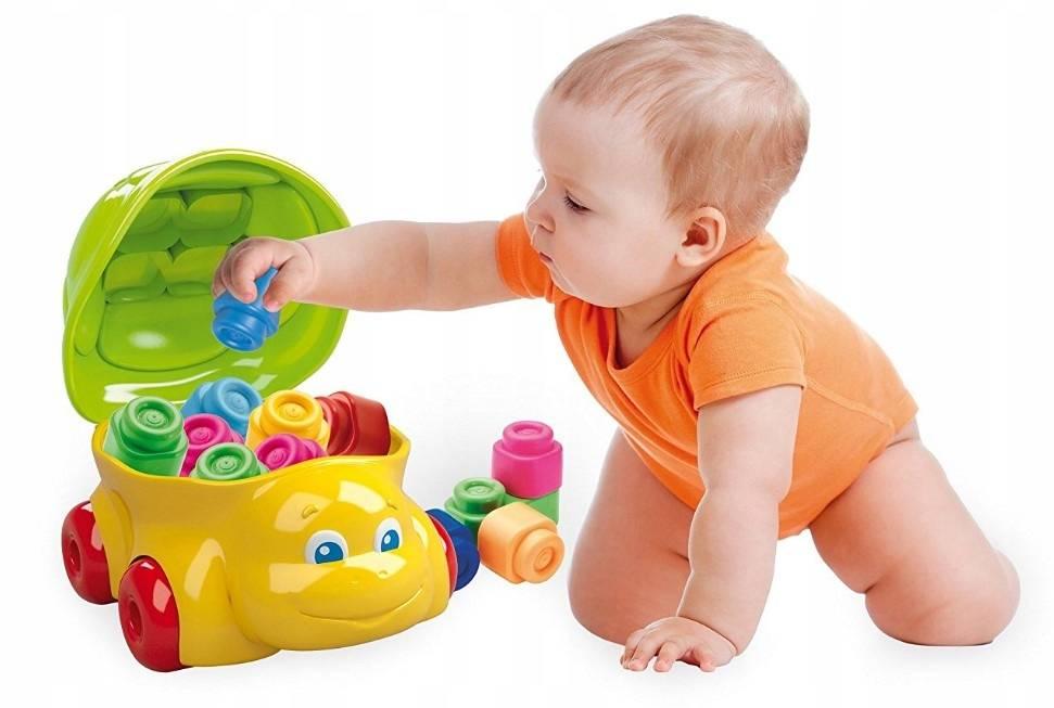 Развивающие игры для детей 8 месяцев - как занять малыша?