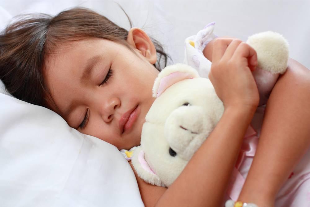 Почему дети скрипят зубами во сне и что с этим делать