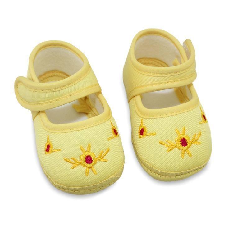 Какая обувь нужна для малыша до года?