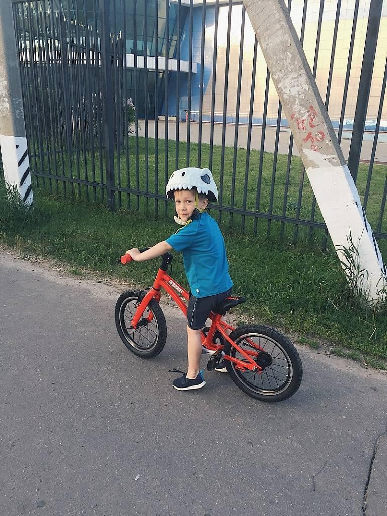 Как научить ребёнка кататься на велосипеде поэтапно (трёхколесном и двухколёсном), видео