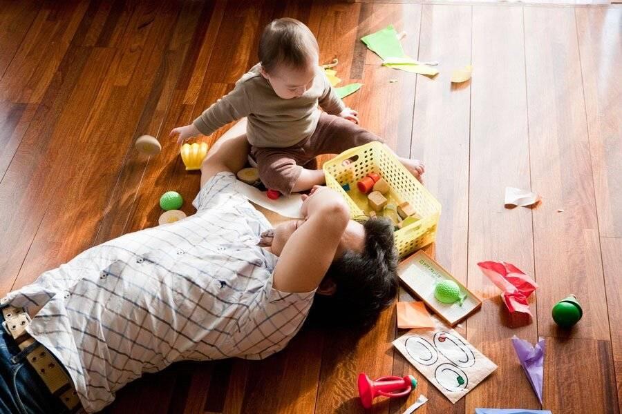 Как развивать ребенка в 2 месяца: игры и занятия с двухмесячным малышом