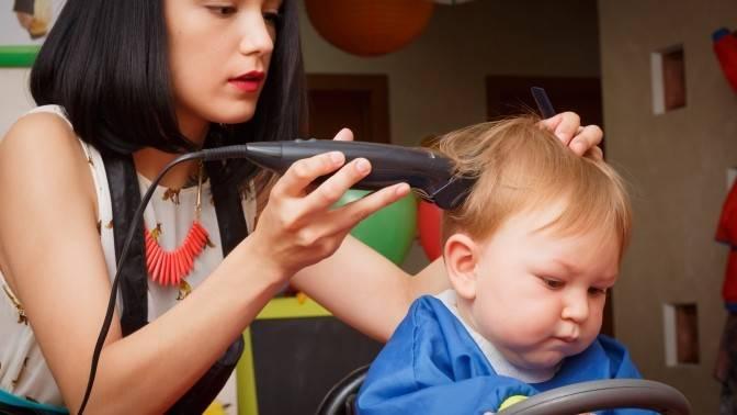 Стрижка в годик приметы. нужно ли стричь ребенка в год? зачем детей стригут в год? видео: нужно ли стричь ребенка в год?
