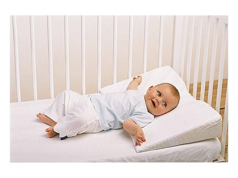 Можно ли новорожденному спать на мягком